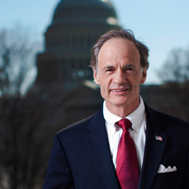 How Tom Carper's Positions and Votes Screw People and Help Rethugs Screw People. Volume 3